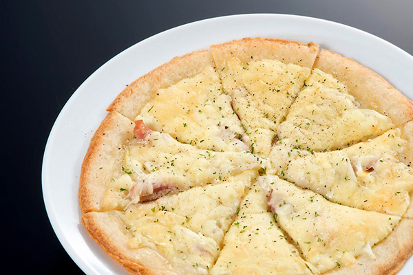 カルボナーラ風ピザ